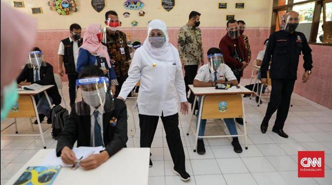 Epidemiolog dari Universitas Airlangga menilai cukup guru yang dilibatkan dalam uji coba pembukaan sekolah di tengah pandemi virus corona.