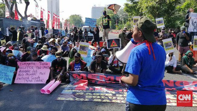 Mahasiswa mendesak pemerintah menghentikan segala aksi kriminalisme yang dilakukan kepada para aktivis HAM Papua, termasuk Veronica Koman.