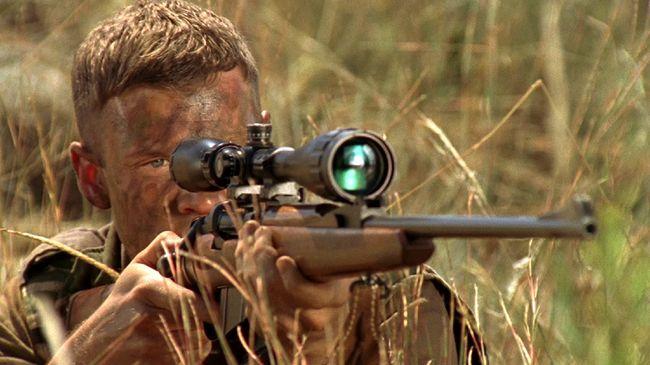 Bioskop Trans TV pada Selasa (18/8) akan menayangkan Sniper: Reloaded dan Code Name: Geronimo yang bisa disaksikan live streaming di CNNIndonesia.com.