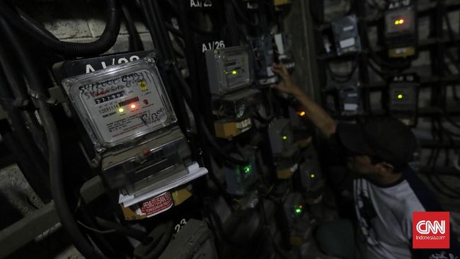 Kementerian ESDM mengungkapkan pemasangan smart meter merupakan bagian dari pembangunan jaringan tenaga listrik 'pintar' (smart grid).