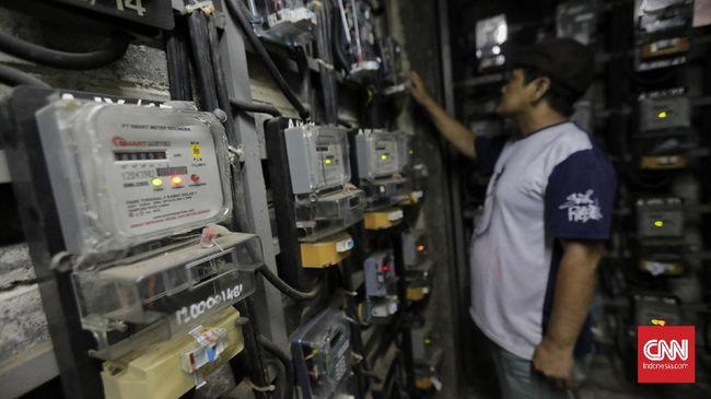 Aliran listrik di Museum Balairung Sri dan kantor Disdikbud Kabupaten Siak, Riau diputus karena menunggak pembayaran selama satu bulan.