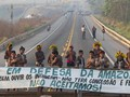 Suku Amazon di Brasil Buka Blokade Jalan, Tetap Tagih Bantuan
