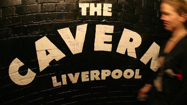 The Cavern Club di Liverpool merupakan bar favorit The Beatles sekaligus tempat mereka pertama kali melesatkan kariernya.
