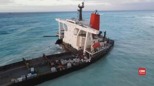 VIDEO: Melihat Kapal Jepang Terbelah Dua di Mauritius