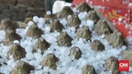 IPB Jelaskan Faktor Hujan Es di Bogor dan Wilayah RI Lain