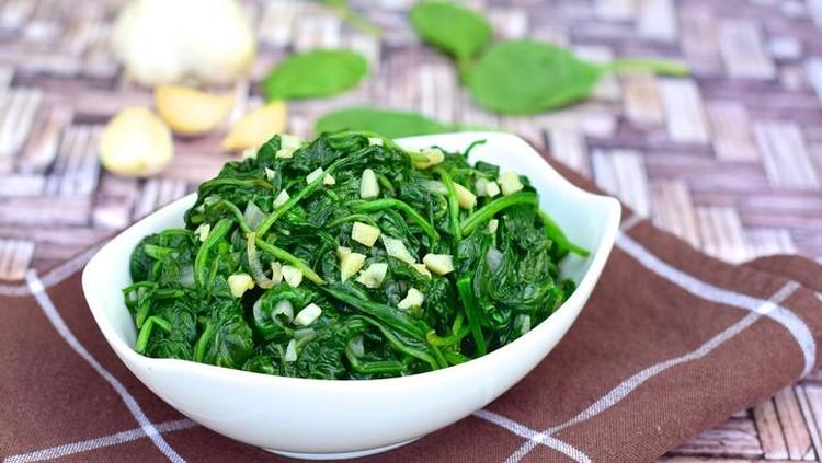 Khasiat sayur bayam untuk menu sarapan