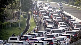 Urai Kemacetan, Polisi Terapkan Sistem Satu Arah di Puncak