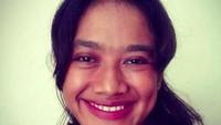 <p>Film pendek dari Yogyakarta berjudul <em>Tilik</em> kini menjadi perbincangan netizen. Dalam film itu, tokoh Bu Tejo sangat menonjol. Bagi Bunda yang belum tahu, Bu Tejo dalam film Tilik diperankan oleh Siti Fauziah Saekhoni yang akrab disapa Ozi.</p>