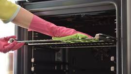 Tips Membersihkan Oven dengan Bahan Alami