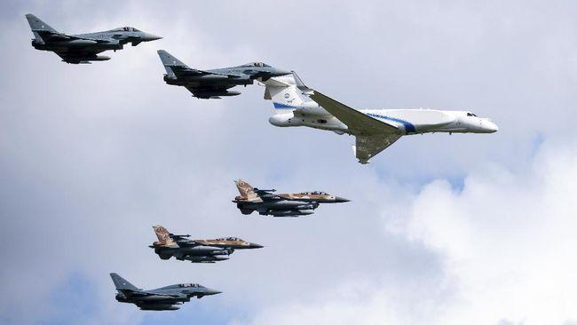 Militer Israel (IDF) kini memiliki jet tempur pengintai baru tercanggih yang disebut Oron. Mampu kumpulkan informasi intelijen.