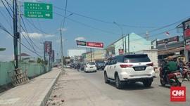 Dalih Takziah, Wanita Murka Dilarang Polisi ke Arah Anyer
