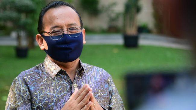 Mensesneg mengakui kekeliruan dalam naskah UU Ciptaker yang telah diteken Jokowi, namun hanya teknis administratif yang tak berpengaruh pada implementasinya.