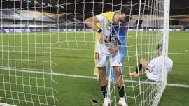 Fan MU Marah pada Maguire hingga Sevilla Juara Liga Europa