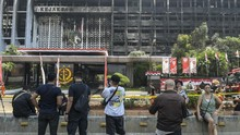 Netizen Unggah Meme Lucu Rokok di Kebakaran Kejagung