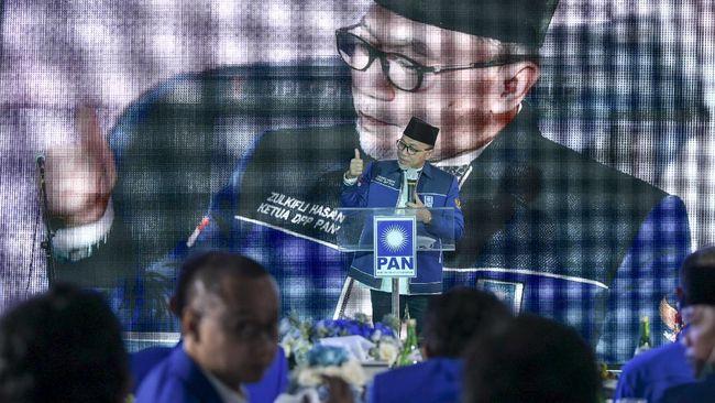 Ketum PAN Zulkifli Hasan mengancam pencoporan anggota DPRD Surabaya dari Fraksi PAN yang tak serius memenangkan Machfud-Mujiaman.