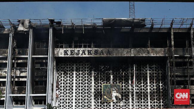 Kebakaran gedung Kejagung, 22 Agustus 2020, sempat memancing berbagai spekulasi, tapi berakhir antiklimaks setelah polisi mengungkap penyebab kebakaran.