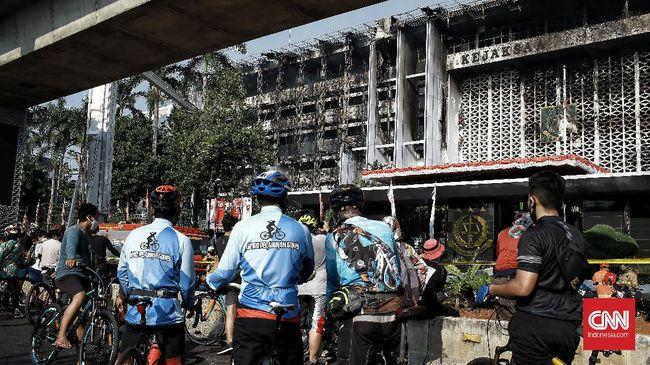 Saksi yang dimintai keterangan termasuk petugas keamanan dan pihak internal Kejaksaan Agung yang mengetahui blue print bangunan.
