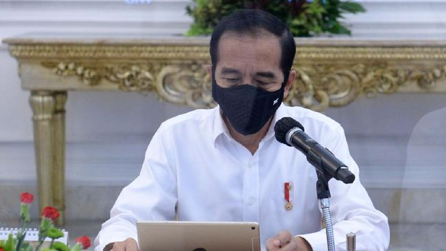 Istana memastikan Presiden Jokowi membaca isu-isu menonjol dalam draf final Omnibus Law. Draf baru dipublikasikan jika sudah pengesahan lembar negara.