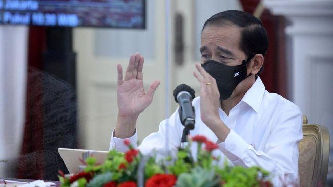 Presiden Jokowi saat menghadiri pembukaan Konferensi Besar XXIII GP Ansor 2020 secara virtual, mengingatkan masyarakat tidak stres di masa pandemi.