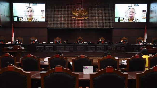 Aturan soal kewenangan pemerintah memutus akses terhadap informasi atau dokumen elektronik di UU ITE digugat ke MK.