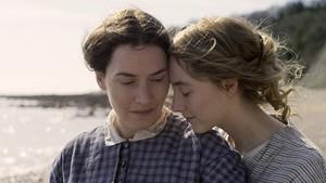 Kate Winslet Beber Adegan Seks saat Saoirse Ronan Ulang Tahun