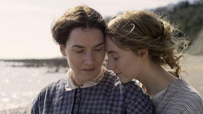 Aktris Kate Winslet mengungkapkan alasan menjadwalkan adegan seks untuk film Ammonite dengan Saoirse Ronan saat lawan mainnya itu berulang tahun.