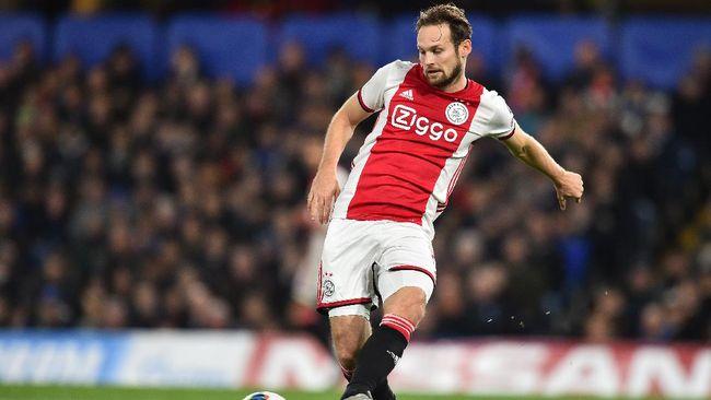 Ajax Amsterdam membantai VVV Venlo 13-0 dalam laga lanjutan Liga Belanda di Stadion Covebo-De Koel, Sabtu (24/10).