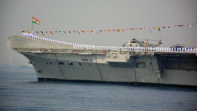 Kapal induk India, INS Viraat, yang sudah dipensiunkan segera dibongkar dan bakal didaur ulang untuk bahan baku sepeda motor.