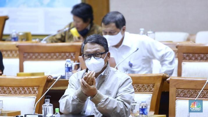 Menteri ESDM, Arifin Tasrif hadir Komisi VII DPR RI. (CNBC Indonesia/Muhammad Sabki)