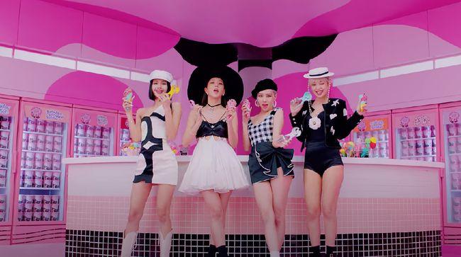 YG Entertainment mengumumkan BLACKPINK bakal menggelar siaran langsung jelang perilisan album penuh bertajuk THE ALBUM.