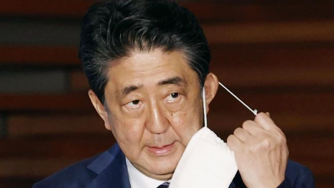 Perdana Menteri Jepang Shinzo Abe resmi mengundurkan diri dari jabatan. Pengumuman itu disampaikan Abe dalam konferensi pers di Tokyo pada Jumat (28/8)