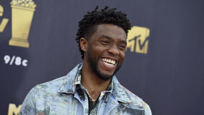 Perjalanan karir Chadwick Boseman dimulai sejak dini saat sekolah, berangkat ke panggung Broadway hingga duduk di takhta Raja Wakanda di Black Panther.