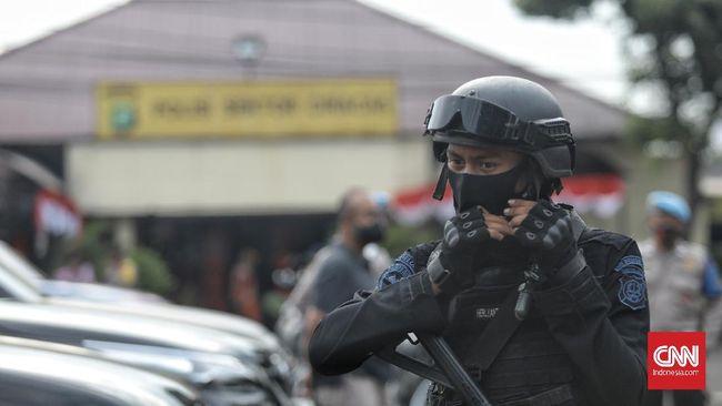 Pangdam Jaya Dudung Abdurachman menyebut tak ada bentrokan TNI-Polri dalam perusakan Polsek Ciracas meski ada korban jatuh dari polisi.
