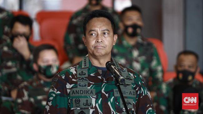 KSAD Jenderal TNI Andika Perkasa mengatakan alasan prajurit TNI membelot itu beragam, mulai dari terlilit utang hingga terlibat permasalahan asusila.
