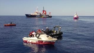 Kapal Sumbangan Banksy Selamatkan Imigran di Mediterania