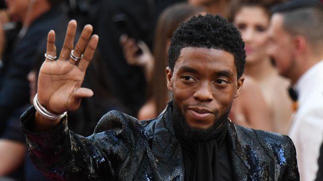 Netflix menunda acara promosi film terbaru Chadwick Boseman, Ma Rainey's Black Bottom, menyusul kepergian sang aktor pada Jumat (28/8) lalu.