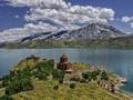 Kisah Mayat-mayat Beku di Danau Indah Turki