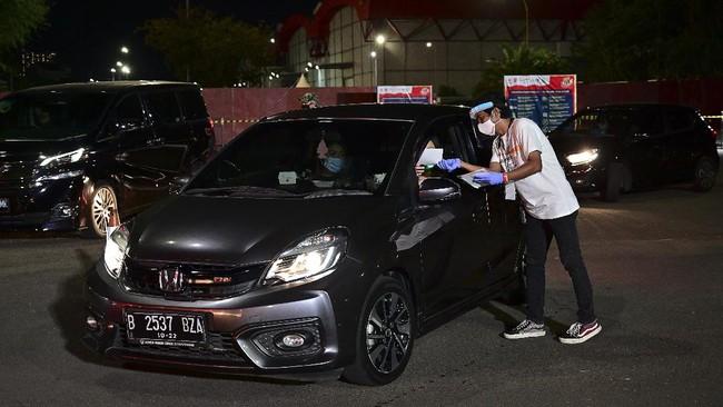 Untuk pertama kalinya, konser musik berkonsep 'drive-in' digelar di Jakarta pada Sabtu (29/8).