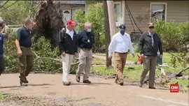 VIDEO: Trump Kunjungi Lokasi Korban Badai Laura