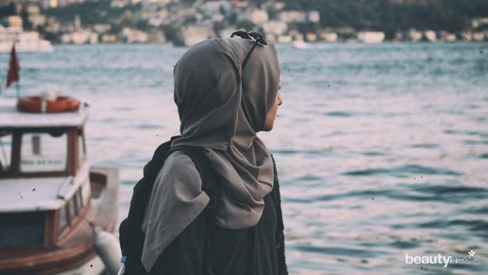 Biar Hijab Gak Bau, Kamu Bisa Lakukan Ini!