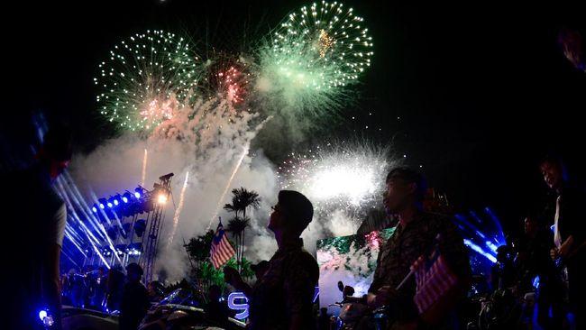 Malaysia merayakan Hari Kemerdekaan yang ke-63 di Dataran Pahlawan Putrajaya, Senin pagi (31/8) dalam suasana pandemi virus corona.