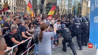 VIDEO: Bentrok Demo Anti-corona di Jerman, 300 Ditangkap
