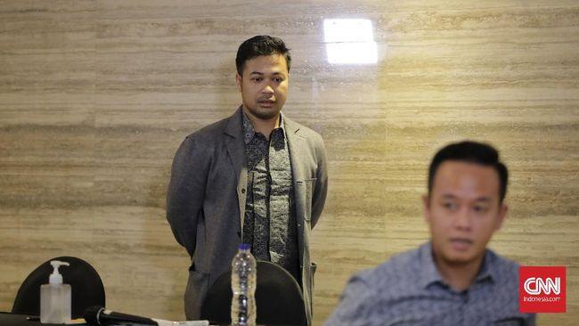 CEO PT Jouska, Aakar Abyasa Fidzuno dicecar oleh penyidik sebanyak 40 pertanyaan dalam pemeriksaan selama delapan jam.