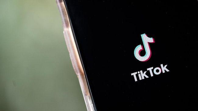Seorang remaja AS menembus 100 juta pengikut di Tiktok lewat video-video yang menuai polemik para netizen.