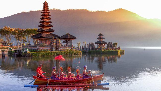 Sebanyak 25 persen aparatur sipil negara (ASN) di tujuh kementerian di bawah Kementerian Koordinator Bidang Kemaritiman dan Investasi akan bekerja dari Bali.