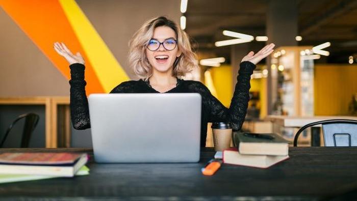 Kamu Freelancer? Begini 5 Tips Atur Waktu, Bikin Deadline Cepat Kelar, Lho!