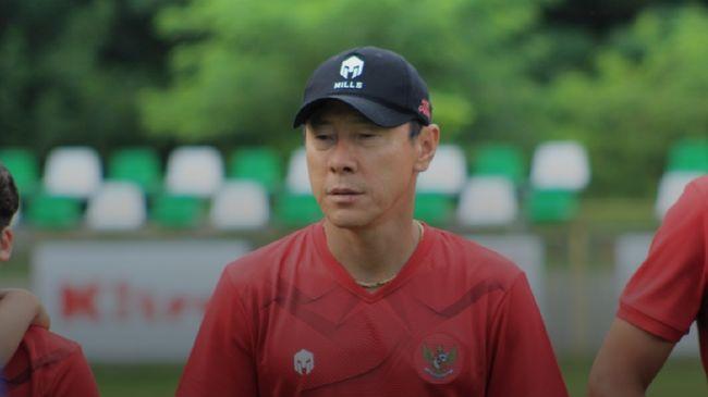 Shin Tae Yong berharap Presiden Jokowi mengizinkan kompetisi sepak bola Indonesia bergulir kembali demi kemajuan Timnas Indonesia U-19.