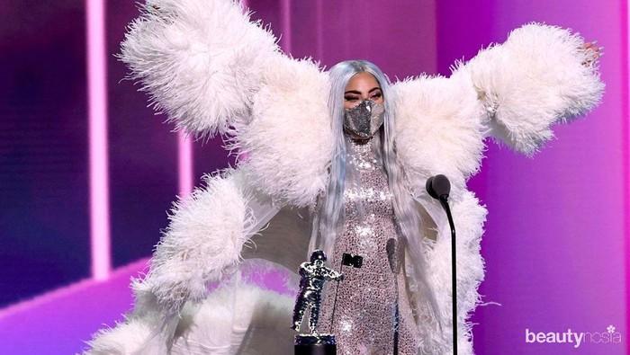 Nyentrik, Lady Gaga Pakai Masker Buatan Desainer Indonesia di MTV VMA 2020