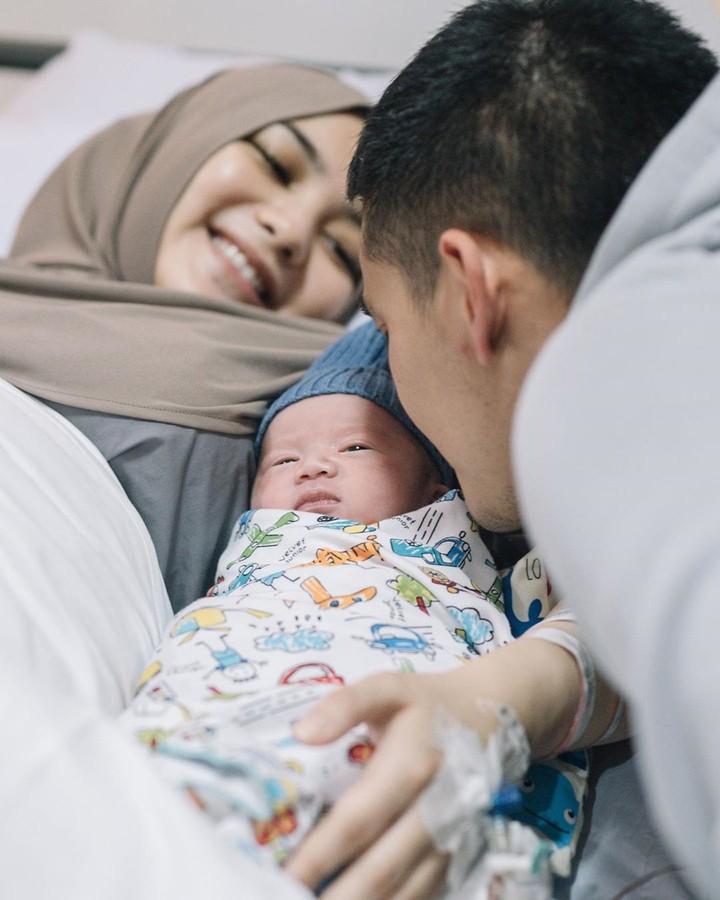Citra Kirana melahirkan buah hati pertamanya pada Jumat 28 Agustus 2020, Bunda. (Foto: Instagram @thereal_rezkyadhitya)