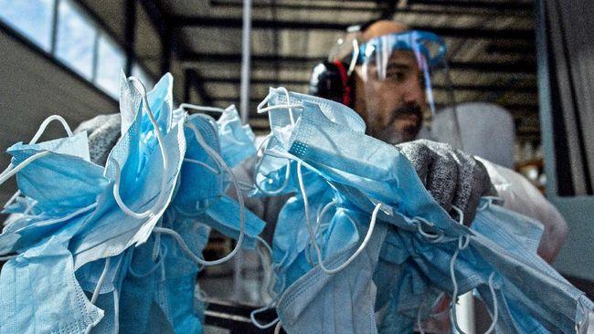 Kemenkes mengakui ada masker medis palsu beredar di masyarakat. Karena itu mereka meminta masyarakat berhati-hati.
